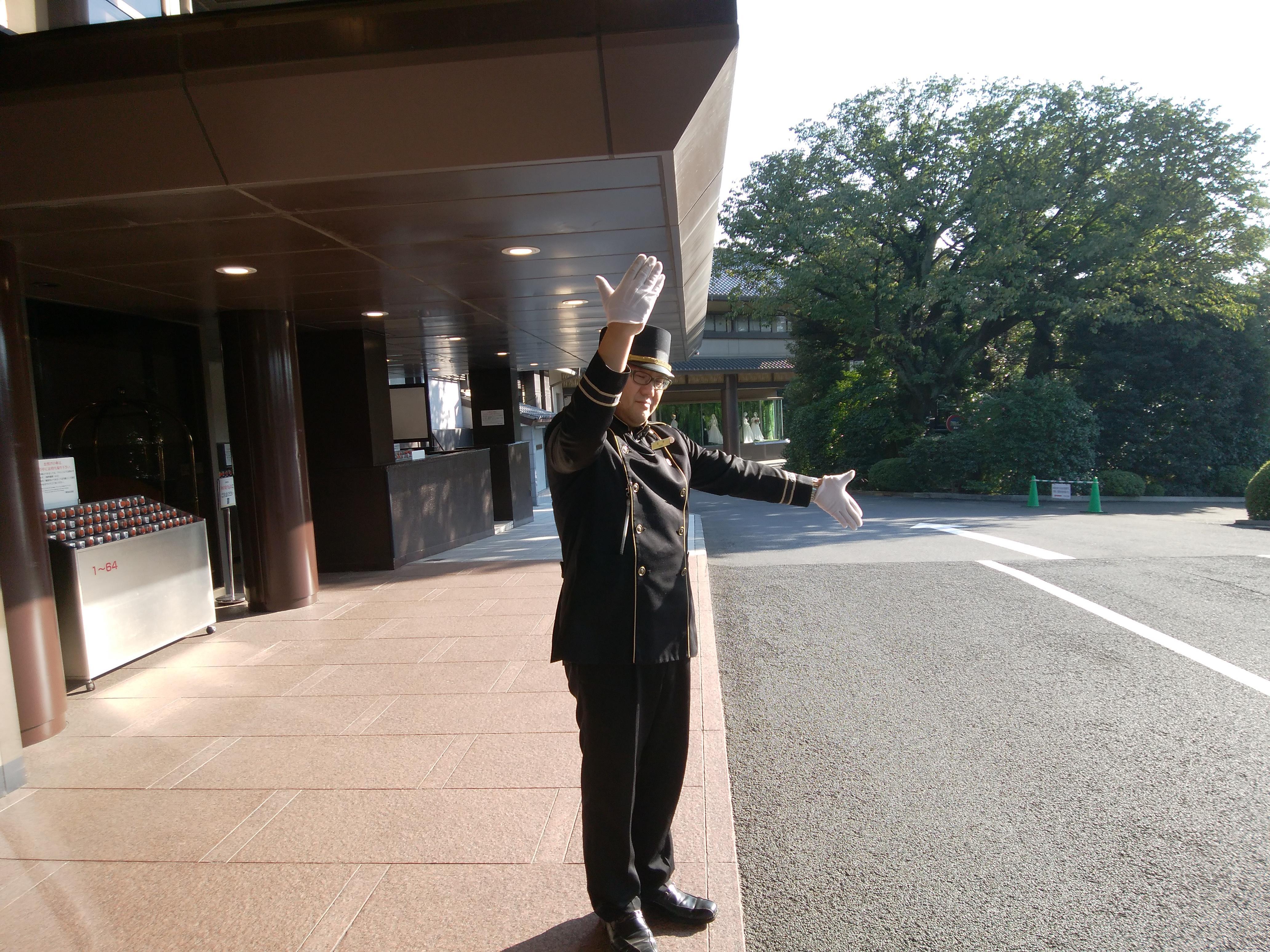 アルバイト 明治記念館フロントスタッフ(アッシャー業務)