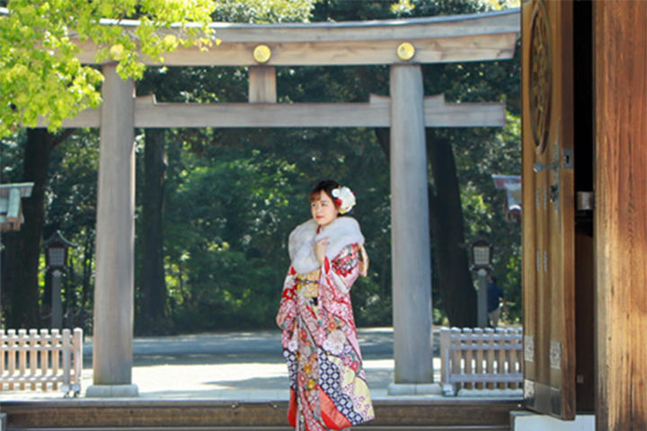 明治神宮 成人奉告参拝とレンタル衣裳・記念撮影のご案内