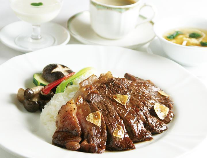 3/1より《贅沢堪能》「国産牛サーロインステーキライス-竹游林スタイル-」