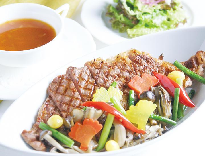11/12より《いちょうフェア》【至福の贅沢シリーズ】「秋のステーキ丼-いちょうスタイル-」