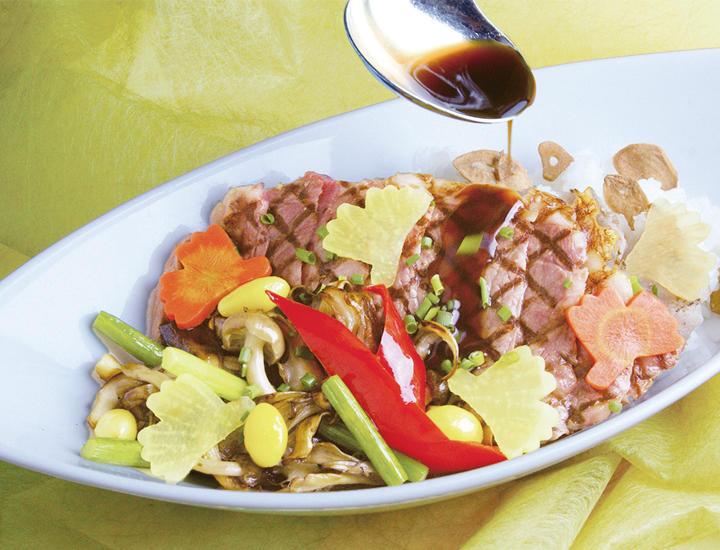 11/10より《いちょうフェア》「サーロインステーキ丼」